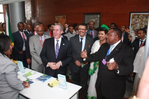 Kebede Chane Minister of Trade and Industry, Amb. Froman (USTR),  Tedros Adhanom (Minister of Foreign Affairs), Mulu Solomon (former President of Ethiopian chamber of commerce) visiting the trade fair  at the African Union.