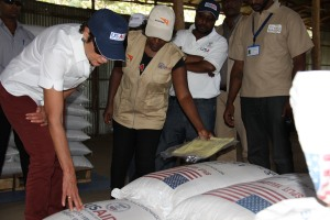 Ambassador Haslach visiting commodity warehouse at the JEOP Food Distribution Center, Abela Faricho አምባሳደር ሃስላክ በአቤላ ፋሪቾ ወረዳ በምግብ ማከማቻ መጋዝን በተገኙበት ወቅት