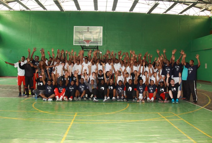 Basketball clinic participants gather for a group photo at the end of the clinic organized by the U.S. Embassy and conducted by Lou Deng  of Miami Heat and NBA Africa, August 2015